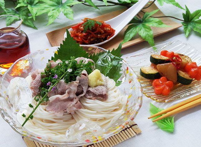 japanese food / vermicellifine noodles