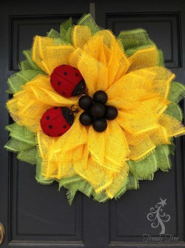 Sunflower Ladybug Wreath | How to Make a Mesh Wreath: 15 DIY Guide Patterns