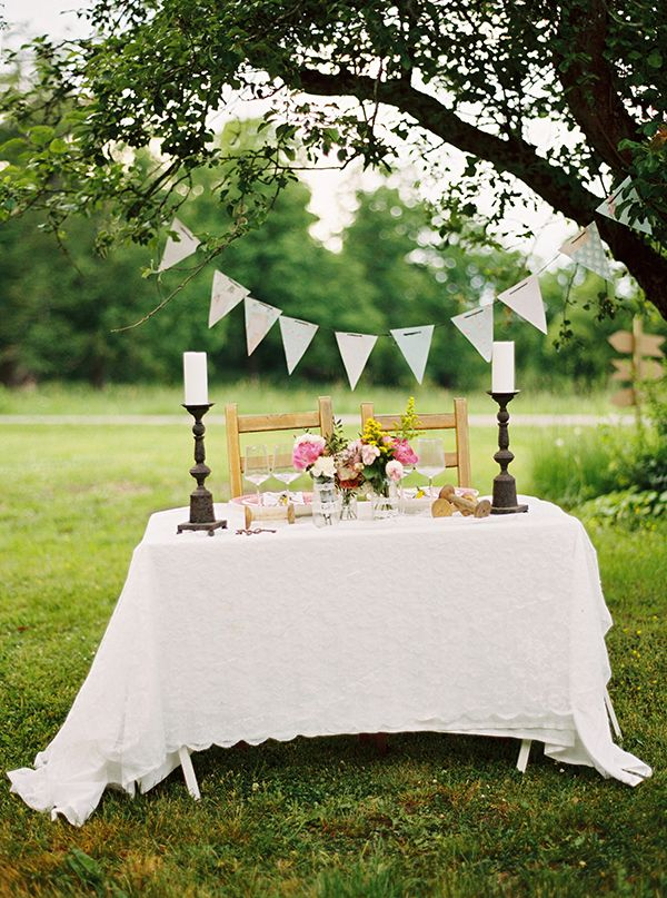 vintage wedding table decor ideas http://www.weddingchicks.com/2013/09/12/rustic-after-the-wedding-shoot-ideas/