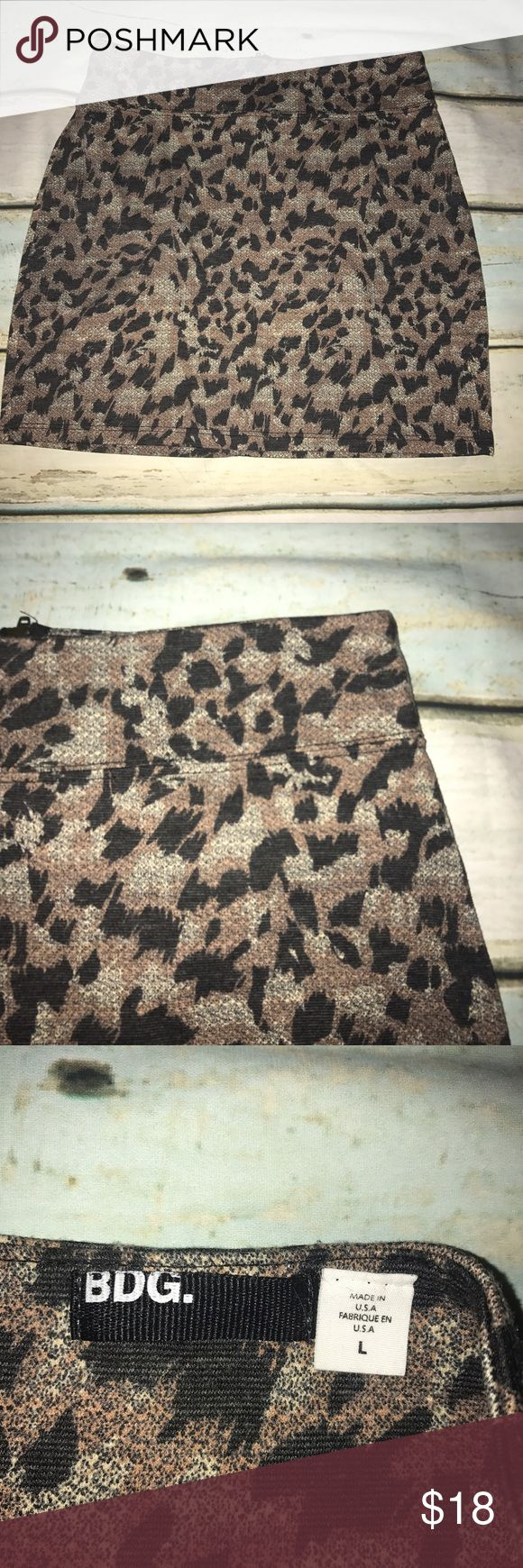 BDG Large Urban Outfitters Cheetah Skirt So cute and in good condition! BDG Skirts