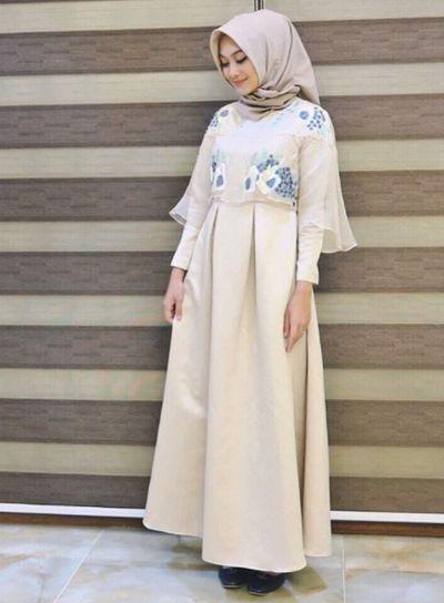 7 Inspirasi Gaun Muslim untuk Kondangan yang Simpel dan Anggun Ala Selebgram | Muslim | beautynesia