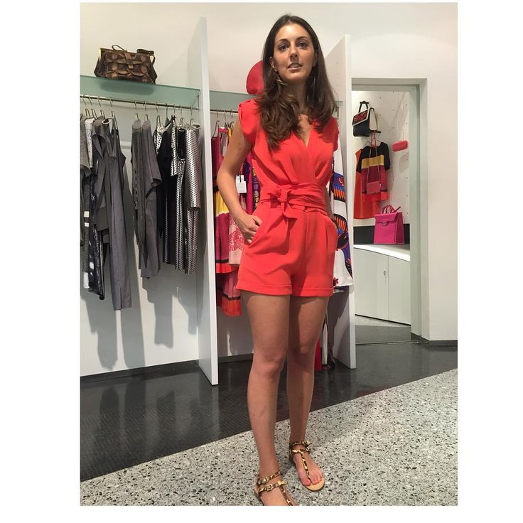 "Donne Vincenti su Instagram: ""Canelli's Angel #donneVincenti #beautifulgirls #summer2015 #colors #chic #bellezzeVincenti #shopping #igersforfashion"""