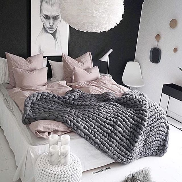 Contrast: Tight Knit Pink Sheets -vs- Large Open Knit Throw