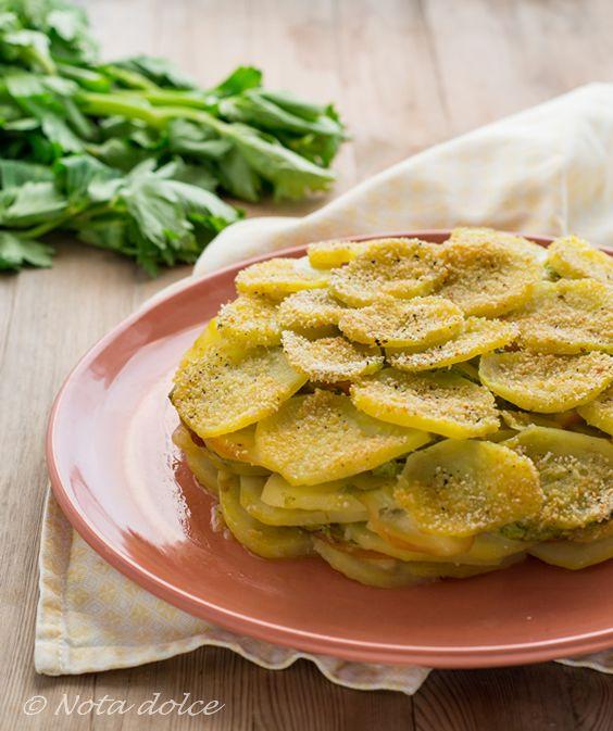 Tortino di patate e scamorza con pesto di sedano ricetta gustosa
