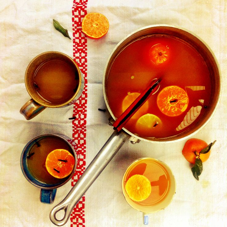 Christmas drinks tip For a quick and warming mulled cider, heat through some quality cider, add a couple of cinnamon sticks, the zest and juice of a clementine and a lemon, a vanilla pod, a pinch of cloves and a sprinkling of sugar. Once hot, leave to cool and infuse for 30 minutes then reheat, strain through a sieve and serve.