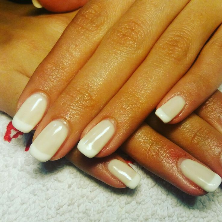#shellac_classy_french_nails