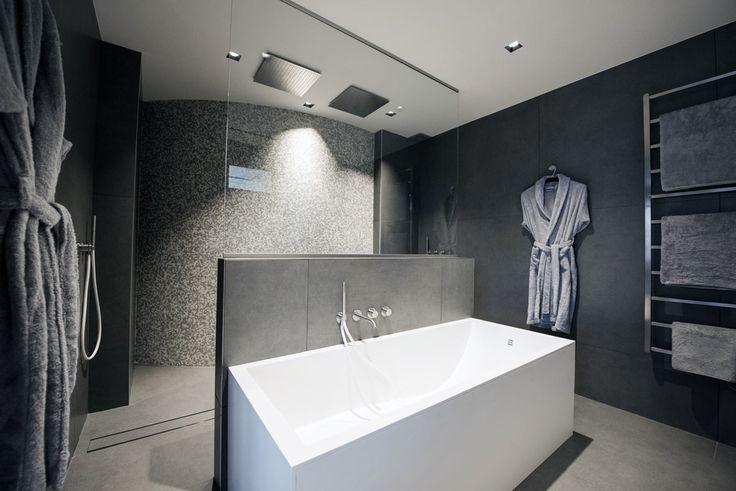 Baignoire design en Solid Surface. Toutes les infos sur : http://www.v-korr.com/home/mobilier-residentiel-solid-surface/