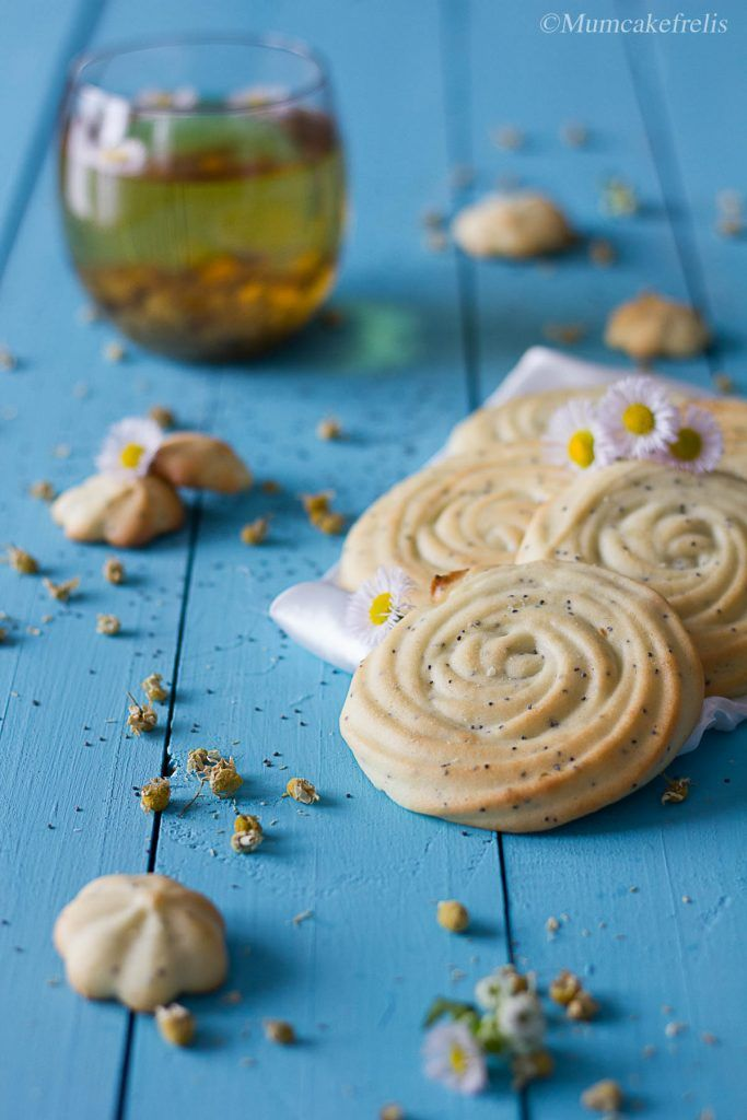 frolla montata all'olio con camomilla e papavero shortbread oil with chamomile and poppy