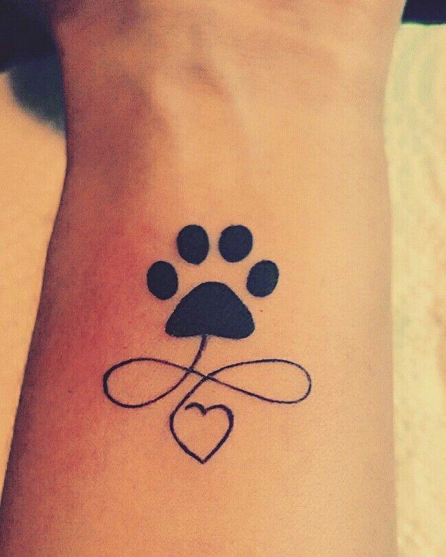tatouage patte de chien infini tatouage pinterest tatouage patte de chien tatouages patte. Black Bedroom Furniture Sets. Home Design Ideas