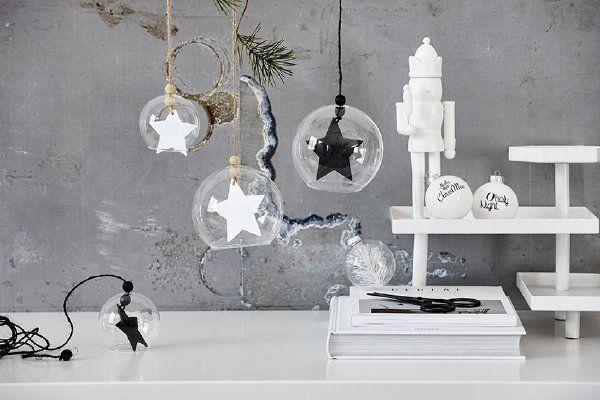 Scandinavische Kerst 2016 met House Doctor Kerstdecoratie – Kerstballen, Kandelaars en Vazen – MEER Kerst… (Foto House Doctor  op DroomHome.nl)