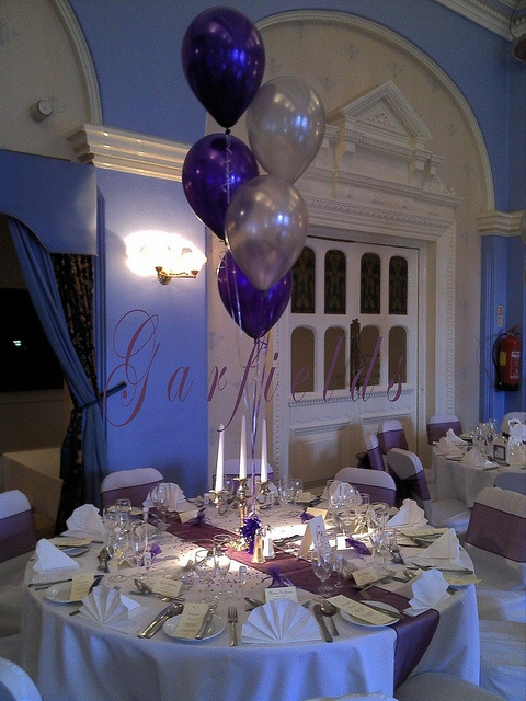 5 tier balloon table display for a wedding by garfield 39 s balloons weddings tamworth via flickr. Black Bedroom Furniture Sets. Home Design Ideas