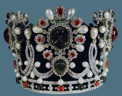 Crown of Empress Farah Diba Pahlavi, wife of Mohammed Reza Pahlavi, Shah of Iran. This crown was made by Van Clef and Arpels using jewels from the Iranian (Persian) Crown Jewels.