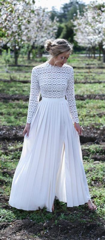 Robe blanche longue crochet sur http://larobelongue.fr/robe-longue-blanche/