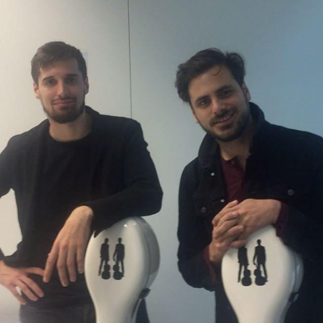 Non solo belli. I @2cellosofficial hanno trasformato il #violoncello in uno strumento #rock. In attesa di ascoltare questa speciale #boyband il 30 marzo a Milano al #mediolanumforum ecco mentre parlano con @grazia_it di sfide (un futuro concerto allo stadio di #sansiro) cactus(dico sul serio) e... #sesso. Tutto prossimamente su Grazia. Intanto il 17 marzo esce il loro prossimo album dedicato alle più grandi musiche da film. Grazie #amazon @marinaspeich  via GRAZIA MAGAZINE OFFICIAL INSTAGRAM…