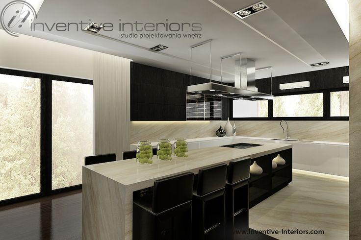 Projekt domu 140m2 Inventive Interiors - ciemne drewno i beż w kuchni - duża wyspa kuchenna