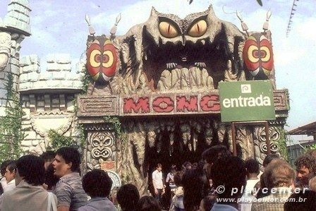A aterrorizante Monga, a mulher que se transformava em macaco e fazia todo mundo sair correndo: