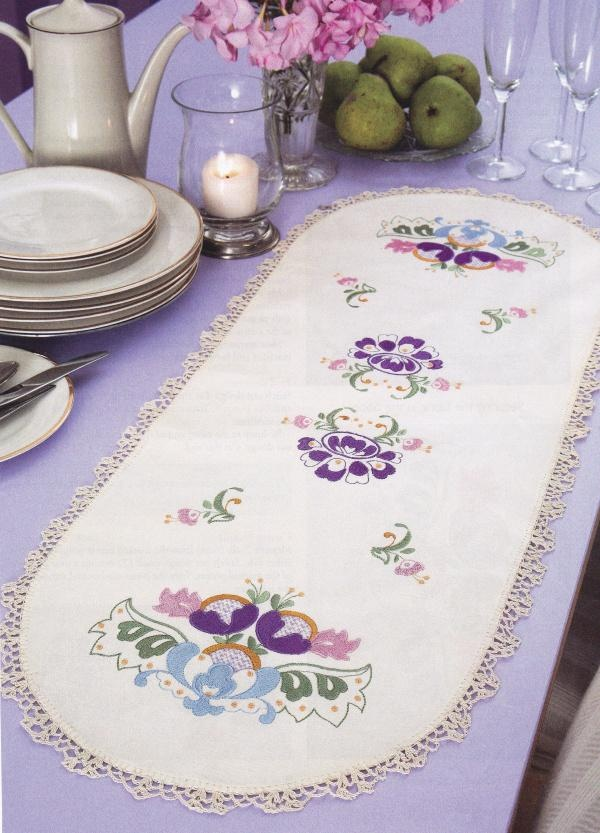All the embroidery designs you need to make this Jacobean Table Runner on you machine!