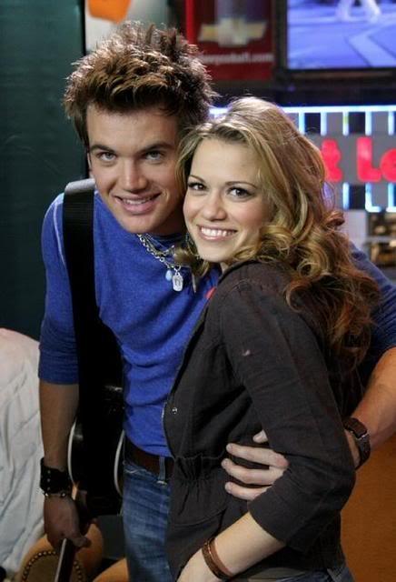 Tyler Hilton (Chris Keller) & Bethany Joy Lenz (Haley James-Scott) - One Tree Hill