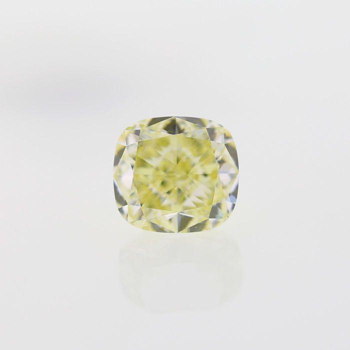 5.09 Ct. natuurlijke W-X VS2 kussen vorm Diamond GIA certified  Natuurlijke W-X 5.09 ct. VVS2 kussen Shape Diamond. GIA certified met zeer goede snit en zeer goed gepolijst best geschikt voor de hanger en ring kern. Het is vervaardigd en de beste bron van natuurlijk geel gekleurde diamanten van de Angolese ruwe gepolijst. De steen wordt geleverd met GIA certificering #2181434887. Hier zijn de afmetingen 10.21 x 9.49 x 5.96 mmCERTIFICAAT: 2181434887 ANTWERPEN BELGIËKNIPPEN: kussenGEWICHT…