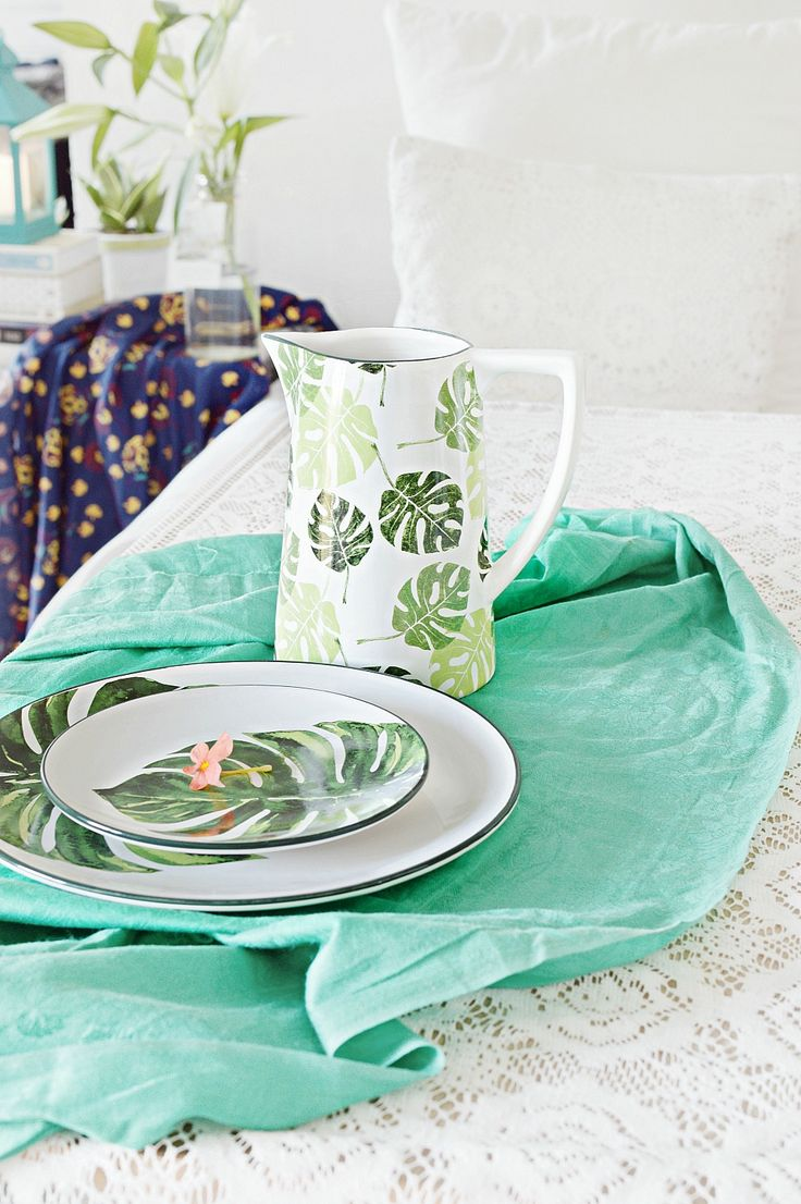 Getting in the tropic home with tropical prints this summer #chumbak #tropical #serveware #homedecor
