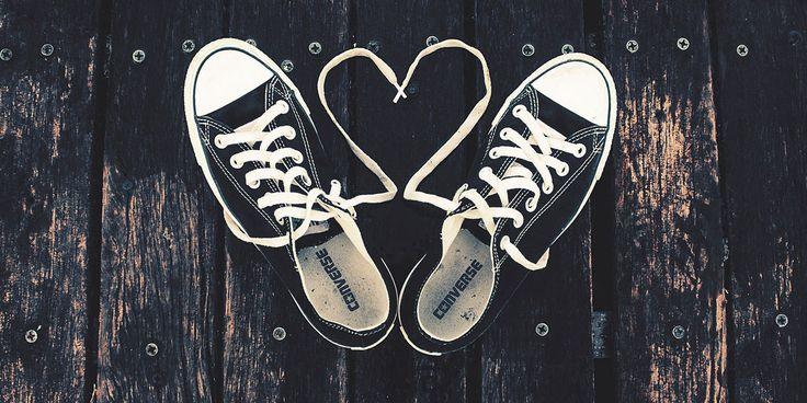 Converse-Hearts-Love-Shoes-l.jpg (1200×600)
