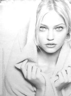 Portrait - White - Photography - Pose