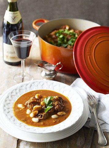 Fransk lammegryte oppskrift (4 personer) 1 kg grytekjøtt av Høgfjellslam med bein 3 ss god olivenolje til steking 10 sjalottløk, skrellet