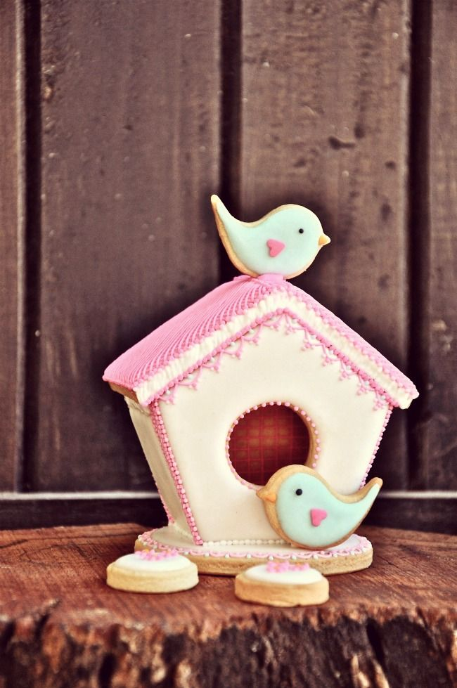 Sweet cookie birdhouse