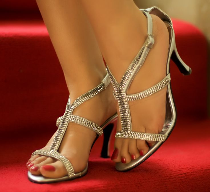Kareena Kapoor's Feet << wikiFeet