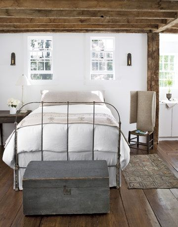 simplicityExpo Beams, Guest Bedrooms, Country Living, White Bedrooms, Wrought Iron, Beds Frames, Iron Beds, Wood Beams, White Wall