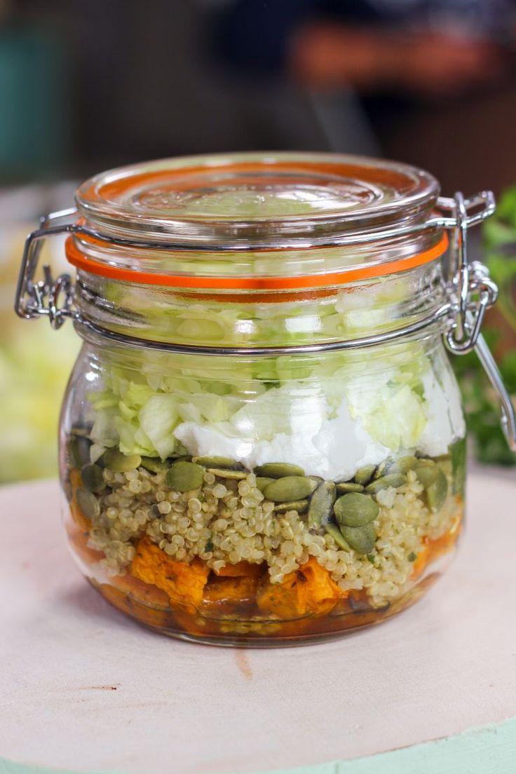 """Het lekkerste recept voor """"Pompoensalade met geitenkaas in a jar """" vind je bij njam! Ontdek nu meer dan duizenden smakelijke njam!-recepten voor alledaags kookplezier!"""