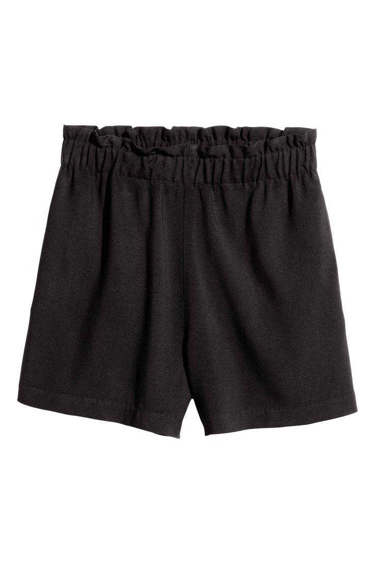 Pantaloni scurți largi - Negru - FEMEI | H&M RO