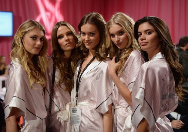 "Ангелы Victoria""s Secret: известные модели открыли свои секреты красоты  https://joinfo.ua/showbiz/1215701_Angeli-Victorias-Secret-izvestnie-modeli-otkrili.html"