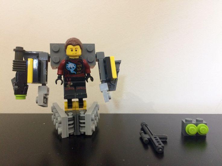Костюм робота из Лего
