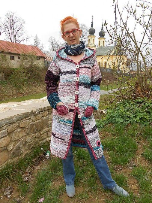 IvaVa / háčkovaný kabátik