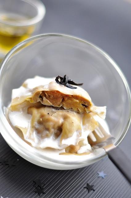 Ravioles au fois gras, crème de truffe