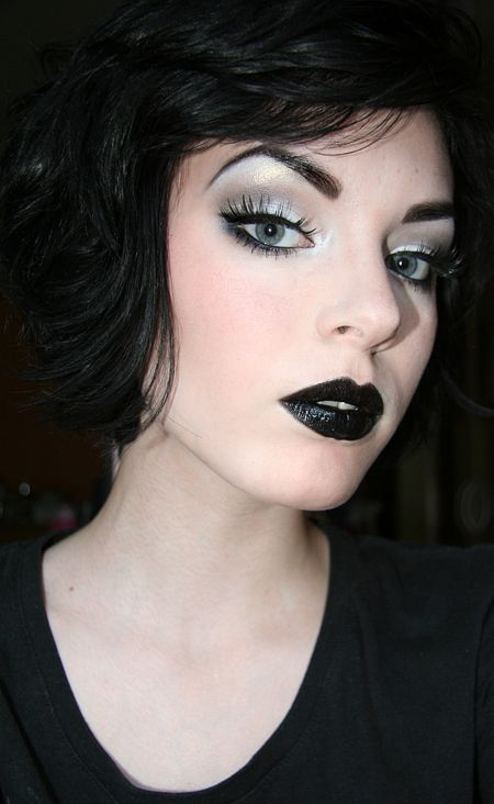 Wish I knew how to create this look. I always feel incredibly sexy with black lipstick.