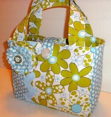 Crafty Girls Workshop...: New Scripture Totes- Not a tutorial, but gives me some inspiration.