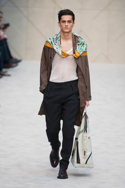 London FW FW 2014/15 – Burberry Prorsum See all the catwalk on: http://www.bookmoda.com/sfilate/london-fw-fw-201415-burberry-prorsum/  #london #fall #winter #catwalk #menfashion #man #fashion #style #look #collection