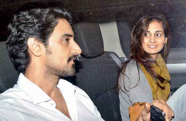 Bollywood Actor Kunal Kapoor Weds Niece of Bollywood Legend