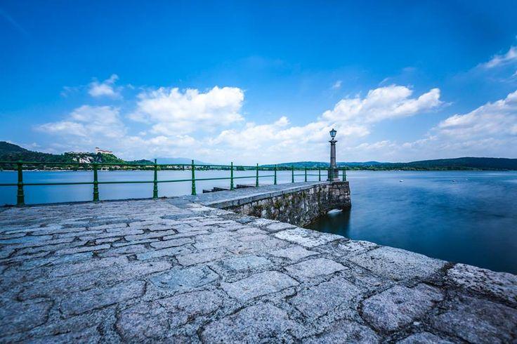 Sopra al molo di #Arona c'è un cielo fantastico ( #Novara #Piemont #Italy )