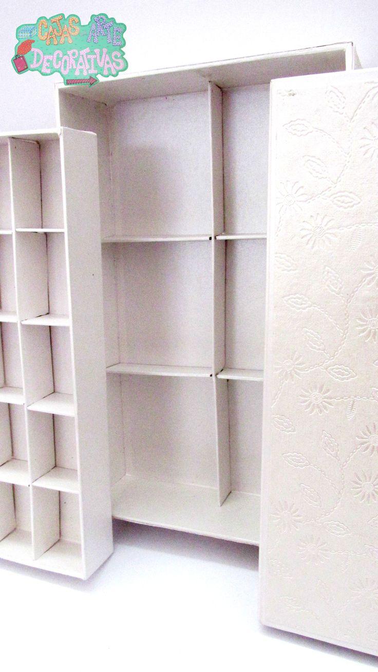 Caja seccional con dos bases de tapas para guardar pequeñas bisutería de nuestros cuartos