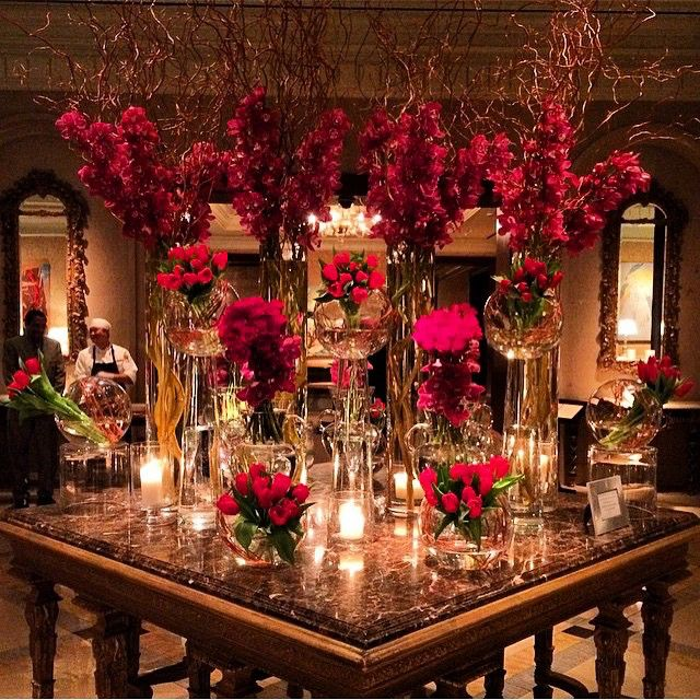 Loving this entrance table at the Ritz Carlton. A beautiful way to receiving your guests.