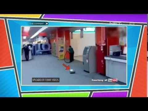 Video lucu banget ini pasti bikin kamu ngakak. Seorang petugas pembersih lantai tetap menggunakan vacuum cleaner yang sebenarnya terputus dari mesinnya tanpa dia sadari. Lucu ga tuh!? Ya lucu lah, ha ha ha.