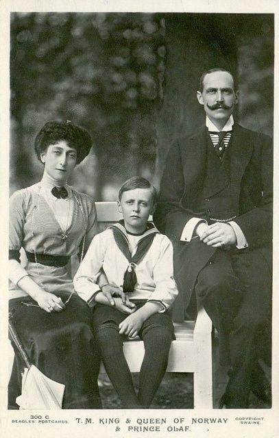 królowa Norwegii Maud, książę koronny Olav i król Norwegii Haakon VII - 1912r.