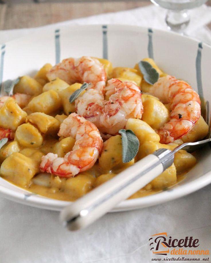 Gnocchi di kamut in crema di zucca e mazzancolle croccanti  #gnocci #kamut #primipiatti #mazzancolle #foodporn #vsco #foodstyle #food #cooking #foodstagram #follow #followme #instagood #instalike #instadaily #recipe #italianrecipe #italianfood #ricettedellanonna #good #love #happy #italy #passione #fotooftheday #foodblogger #chef #beautiful #foodpics #vscofood