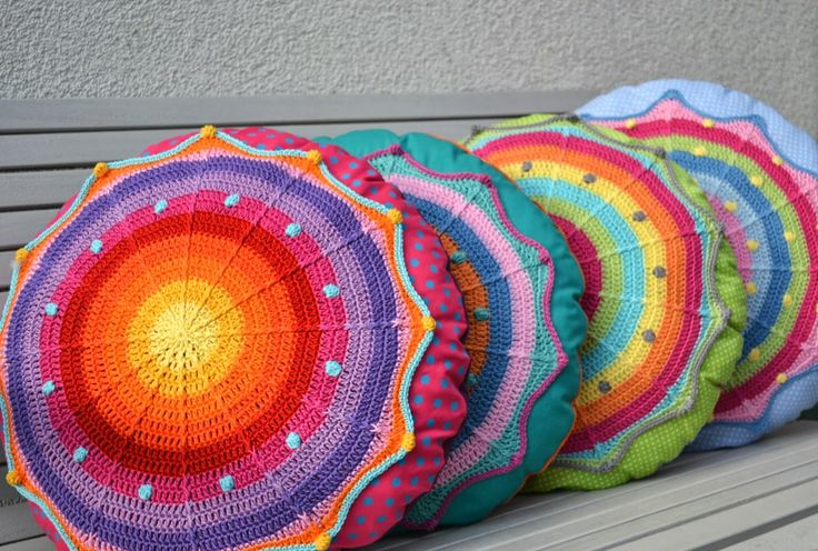 Round pillow SANSARA by Elealinda-Design