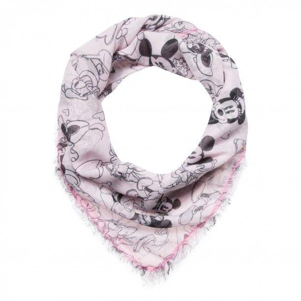 """Tuch mit Disney-Muster light pink   Fröhlich, farbenfroh und unkonventionell - das Tuch ist ein wahrer Eyecatcher! Mit seinem verspielten Disney-Muster macht es schlichte Looks im Nu zu Trend-Outfits. Der weiche Stoff aus hochwertigem Baumwoll-Mix schmeichelt der Haut. Ein absolutes Lieblingsteil aus der ,,Disney""""-Kollektion von CODELLO!  Disney-Muster    Feine Zupffransen   Größe: 110 x 110 cm"""