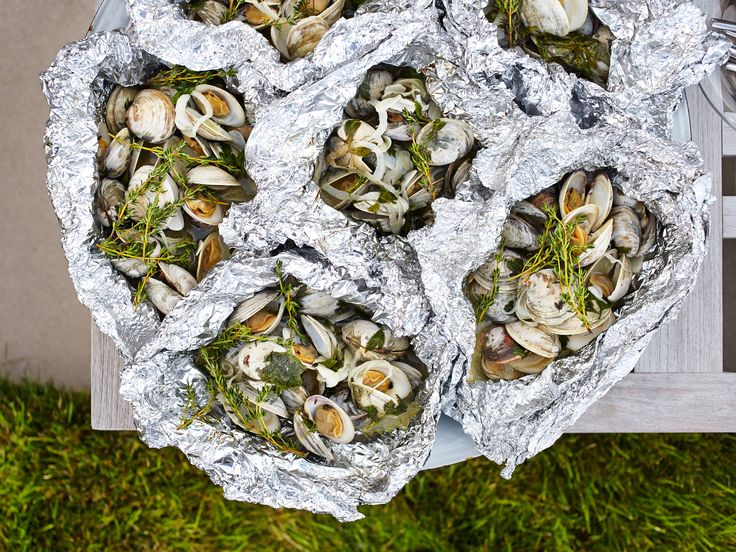 White Wine-Steamed Clams Recipe : Food Network - FoodNetwork.com