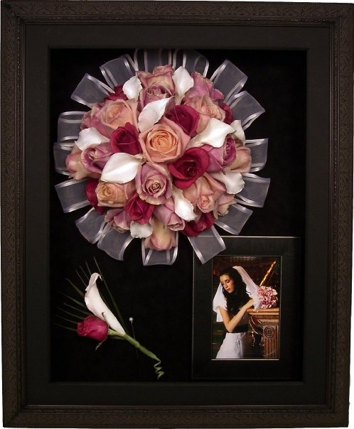 Freeze Dry Your Wedding Bouquet It Looks 100 Times Better Than Hanging Upside Down To And They Will Frame In A Shadowbox For You Or Mak